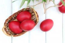 Why-Do-We-Dye-Eggs-Red-for-Easter-720x480.jpg