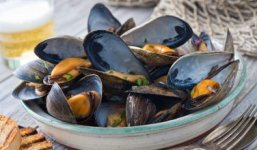 greek-steamed-mussels-376x220.jpg