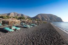 Perissa-Beach-Santorini-720x480.jpg